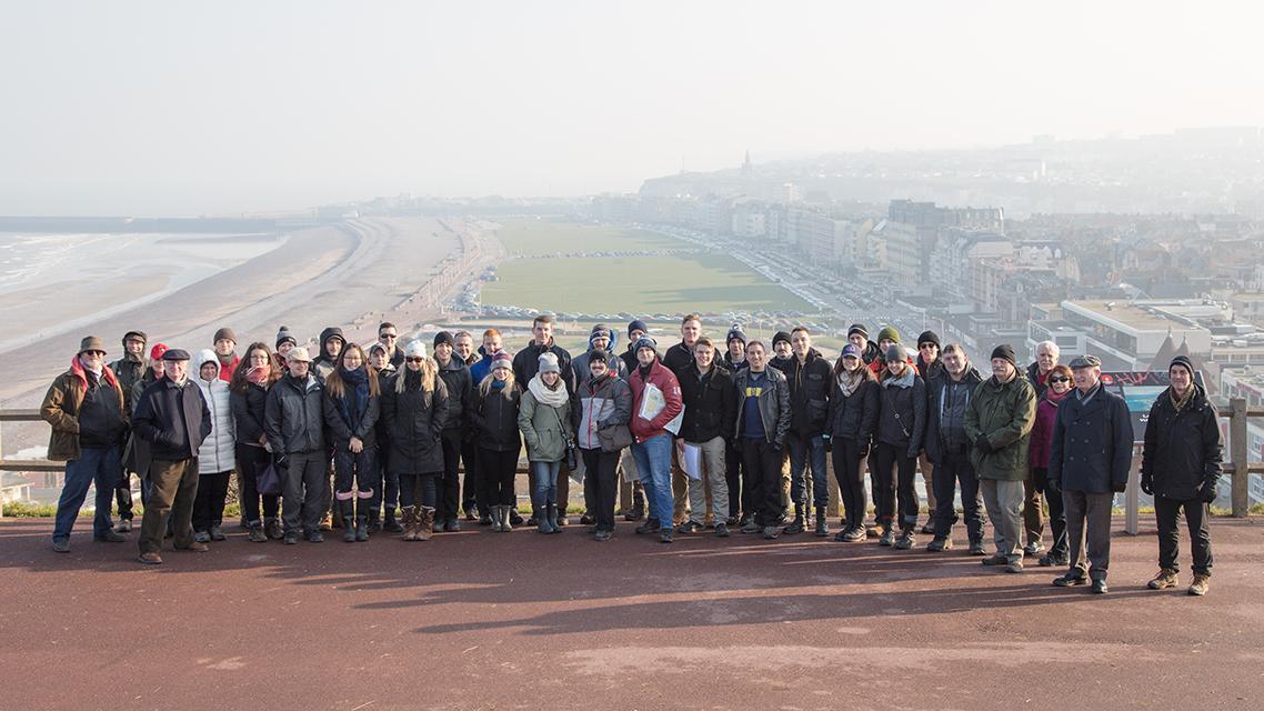 La group pendant la visit des champs de batailles